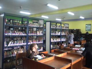 Di Balik Tembok Perpustakaan FIB UNDIP