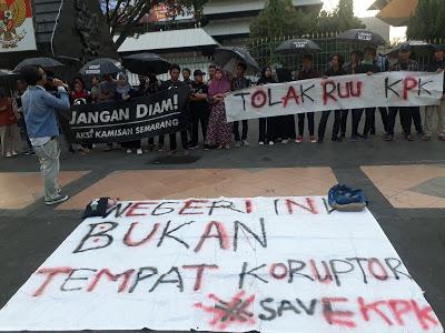 Tolak Revisi UU KPK, Kamisan Semarang: Indonesia Kembali Ke Masa Orde Baru