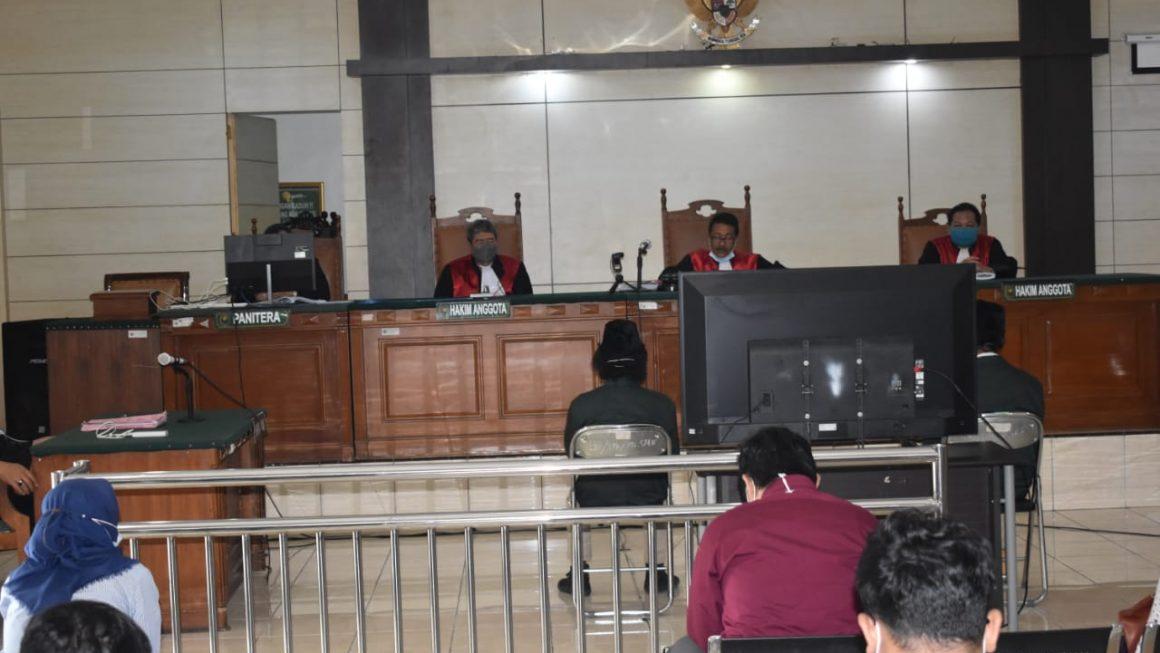 Empat Mahasiswa Penolak Omnibus Law Divonis Bersalah